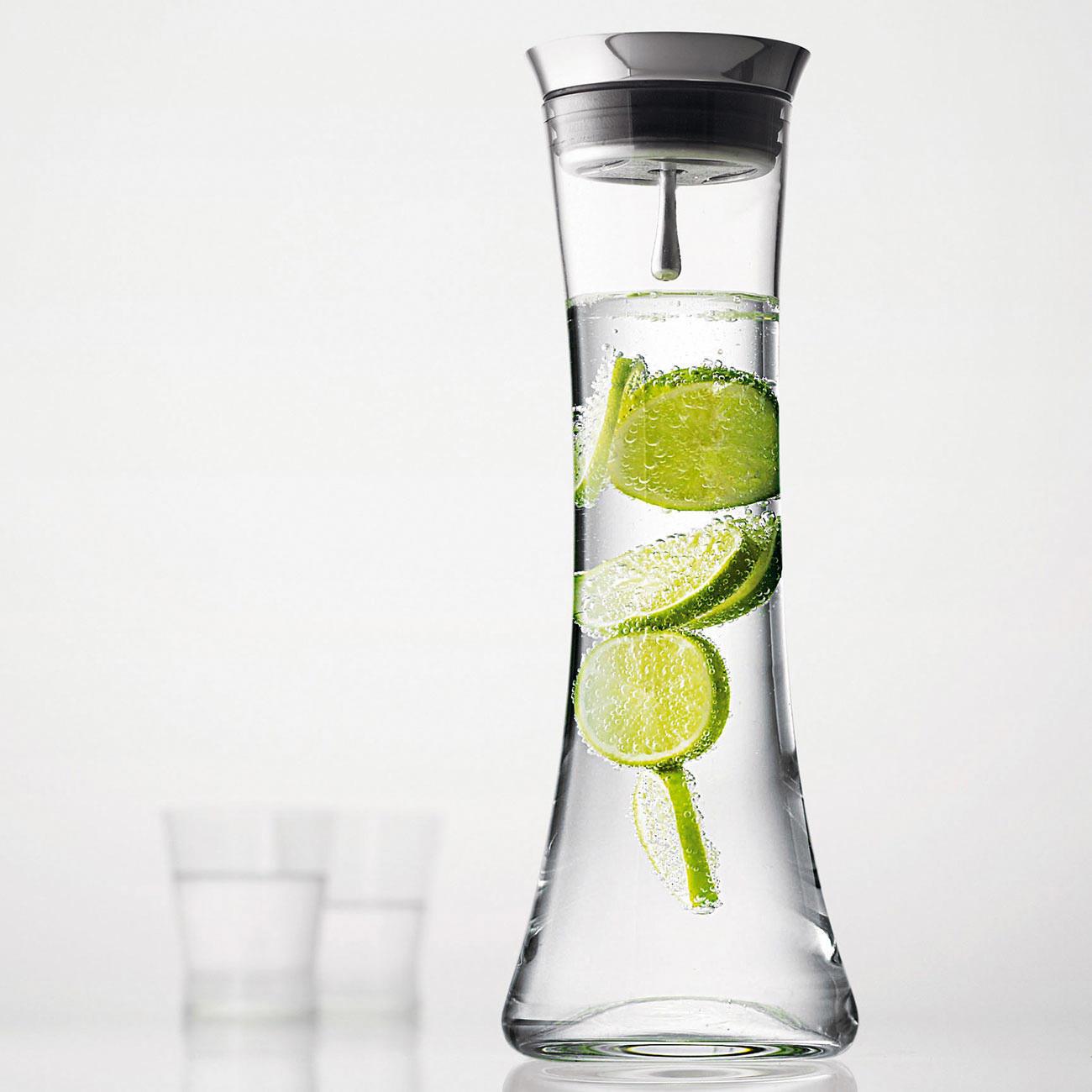 Wasserkaraffe Wellness mit Automatikverschluss, Edelstahl-Deckel und Siebeinsatz, 1.3 Liter