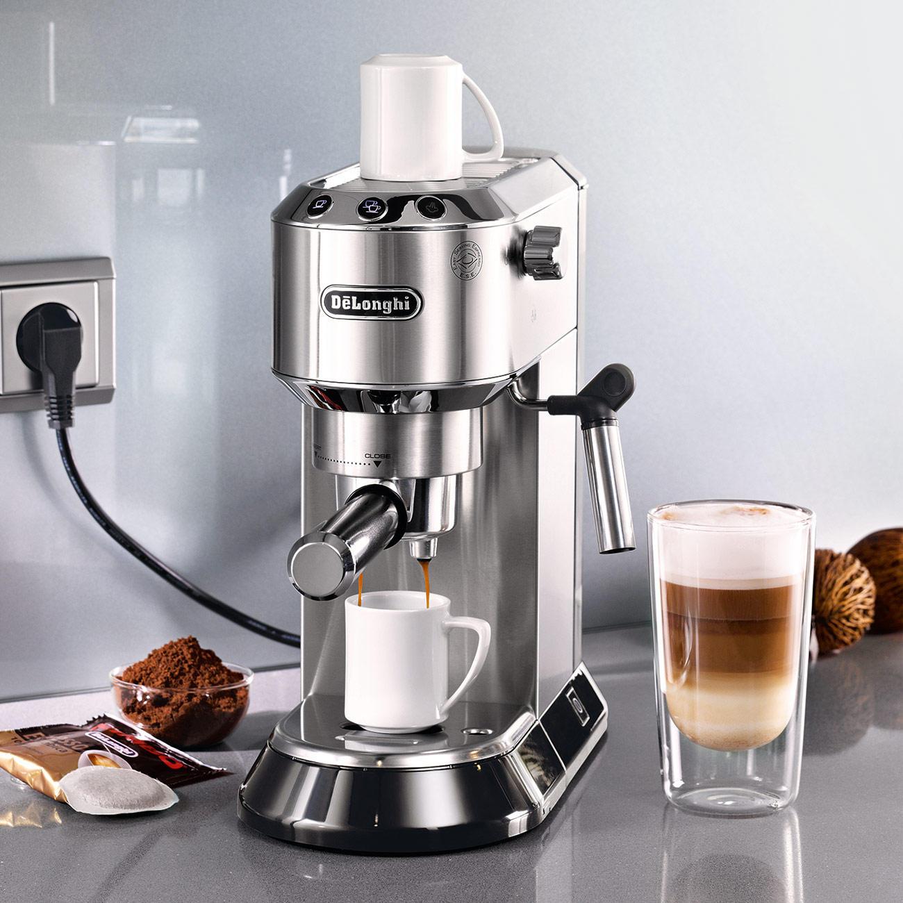 De'Longhi Espresso-Maschine Dedica EC 680.M Siebträger inkl. 18 Kaffee-Pads Kimbo Kaffee 100% Arabica